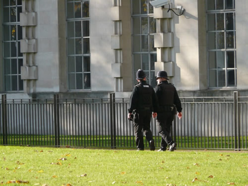 Bobbies dans le quartier de Westminster